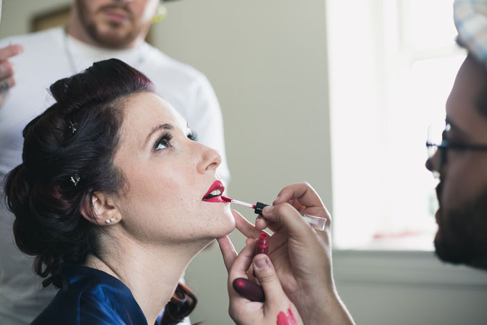 Save Wedding Money by Hiring a Friend to Do Your Makeup